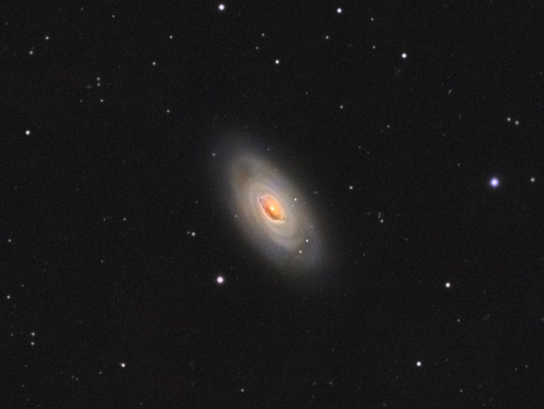 Messier 64 - The Black Eye Galaxy, Evil Eye Galaxy, or Sleeping Beauty Galaxyis a spiral galaxy located in the constellationComa Berenices #ASTRO #Astrophotography #astronomy #astronomia #galaxy #deepsky #esa #nasa #universe #lrgb #zwo #skywatcher #Slovakia #zilina https://t.co/Vxuj6MhbZC