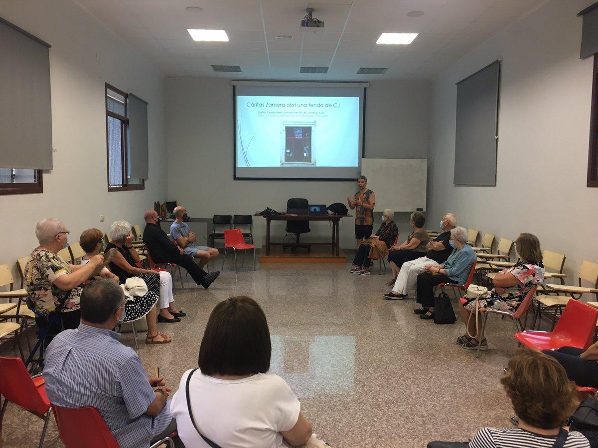 Després de molt de temps, hui ens hem tornat a trobat a #Algemesí amb tot el voluntariat de La Troballa #SomComerçJust  @ValenciaCaritas per a avaluar i plantejar nous reptes de cara al curs que ve #CadaGestCompta @ramonhurtadobel #ElTeuCompromísMilloraElMón https://t.co/efopv6fcoe