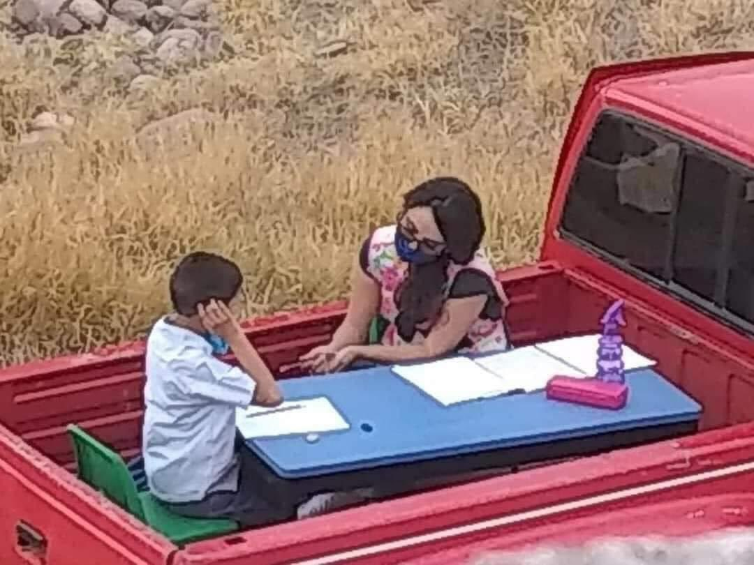 In Mexico, school was cancelled because of the pandemic.  This teacher turned her pickup truck into a portable classroom.  She drives two hours a day to teach children with autism who don't have books or access to the internet.  https://t.co/hscu8zI85Z