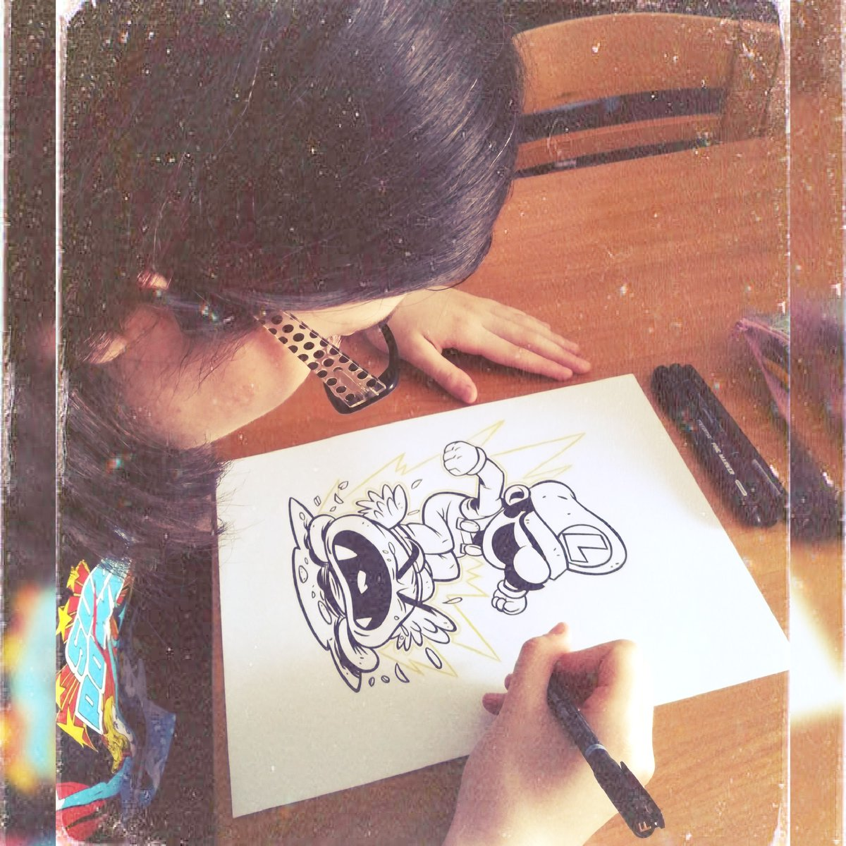 It's me inking chibi Luigi taken from Laufman's artworks!#itsme #itsmeinking  #inktime  #inkday  #inkingdrawing  #luigisupermario #chibiluigi #wednesdaymood #june17th2020 #editorphotopic.twitter.com/ntQn9QFpg4