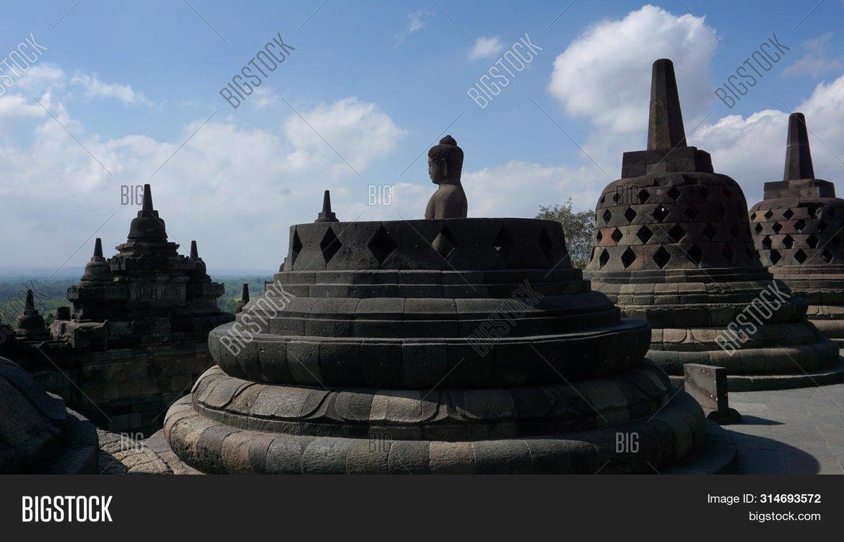 Buddhist statues in Borobudur temples, the largest temples and world heritage, tourist destinations in Asia Stock Photo ID: 314693572 http://www.bigstockphoto.com/image-314693572   #traveller #travel #traveling #destination #asia #indonesia #unesco #heritage #architecture #holiday #borobudurtemple pic.twitter.com/h1WOJ0IQrt