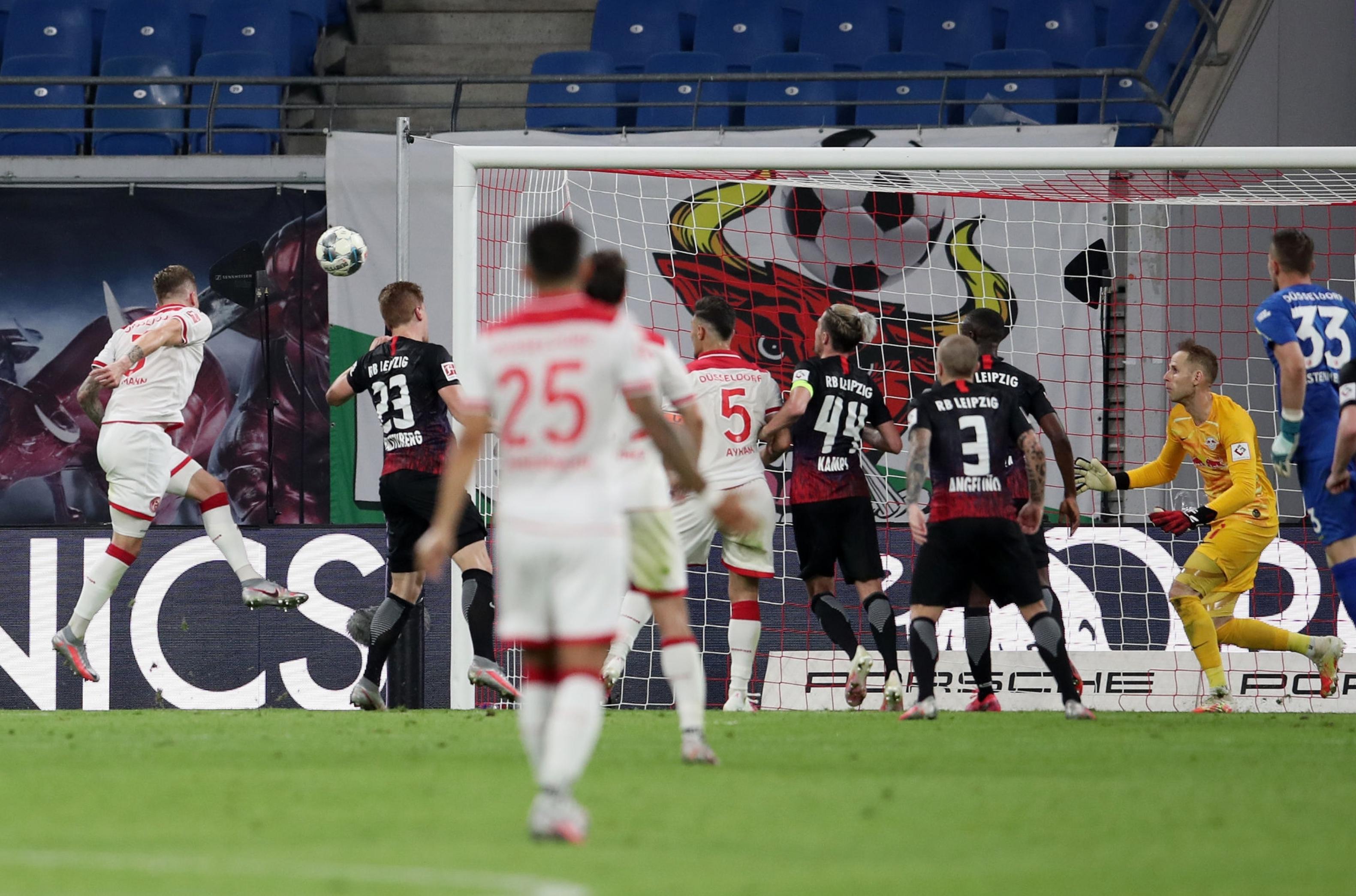 Бундеслига. Дортмунд безвольно проиграл Майнцу, подвиг Фортуны в игре с Лейпцигом, победа Байера в дерби - изображение 2