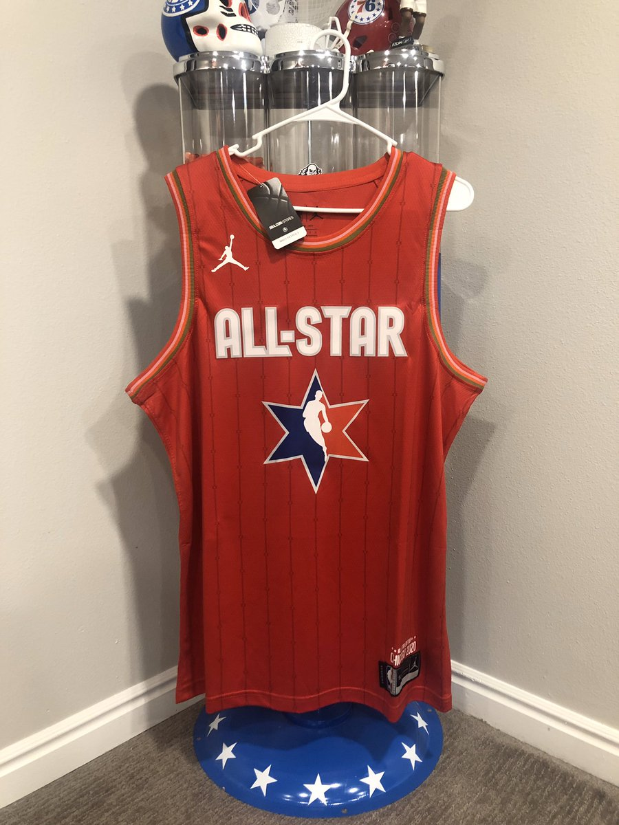🚨Joel Embiid Giveaway 🚨  2020 NBA All Star jersey in tribute to Kobe.   Winner announced at 9pm Sunday   Rules:   1️⃣ RT 2️⃣ Follow @The_PhifthQ  3️⃣ Follow @JoshReynolds24  4️⃣ Comment with a 👑 https://t.co/jqADL3fJ7f