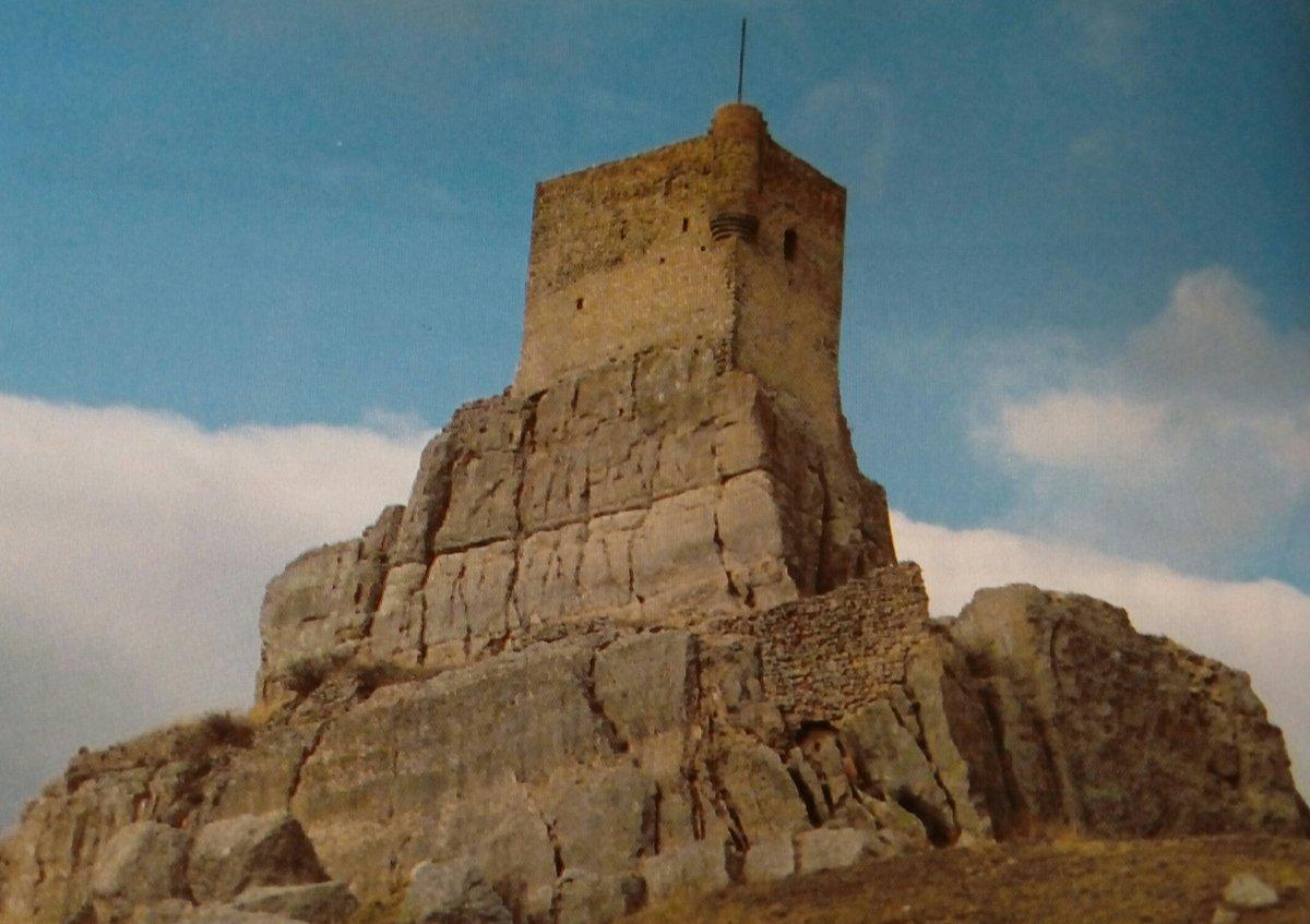 Castillo de #Atienza, uno de los más impresionantes de la provincia de #Guadalajara. https://t.co/9roIuPKNlT