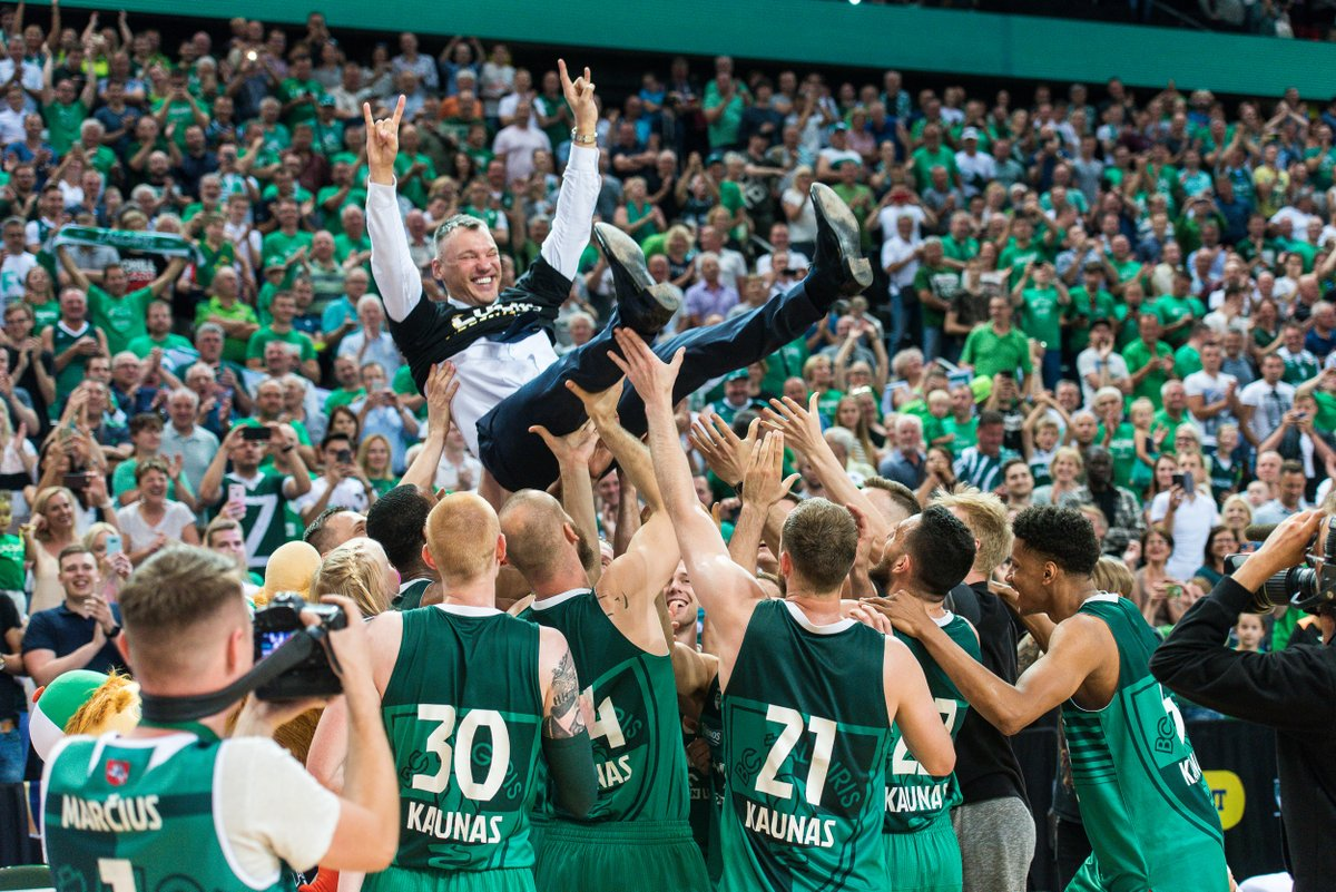 That kind of feeling... 🤟 On this day in 2018, Zalgiris took home another Lithuanian basketball league trophy! 🏆 https://t.co/imZrmXoYQf