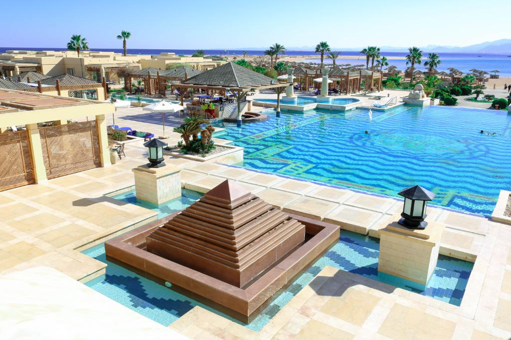 We are excited to inform you that Sheraton Soma Bay is reopening its doors as of 1st July 2020! We've missed you all and are thrilled to welcome our friends, family and community back into the hotel.  #Sheratonsomabay #we'reback #Welcomeback https://t.co/UE01evaQ8n