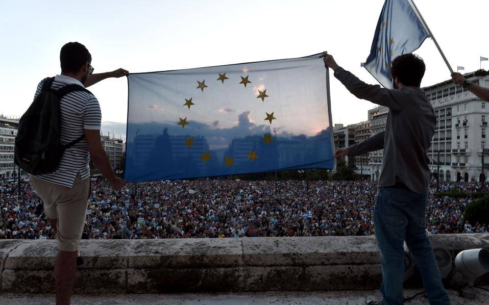 It's the fifth anniversary of #Greece's pro-EU movement, that rallied at Athens' Syntagma Square, against nationalist populism. We stood on the right side of history. https://t.co/2N1TKcpj5n