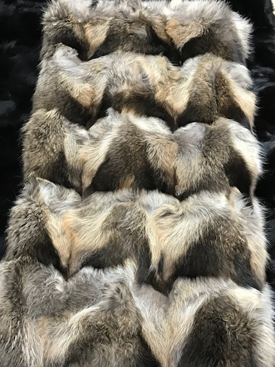 Raw & precious, postcard from last edition  #kastoriainternationalfurfair #kiff #kastoria #kastoriafurcity #todayimwearing #fur #womenswear #vscocam #fashion #archive #styleiswhat #streetstyle #fashioninsta #fashiondaily #exhibition #tradeshow #tradefair #trade #fair https://t.co/wB7isy3HoL