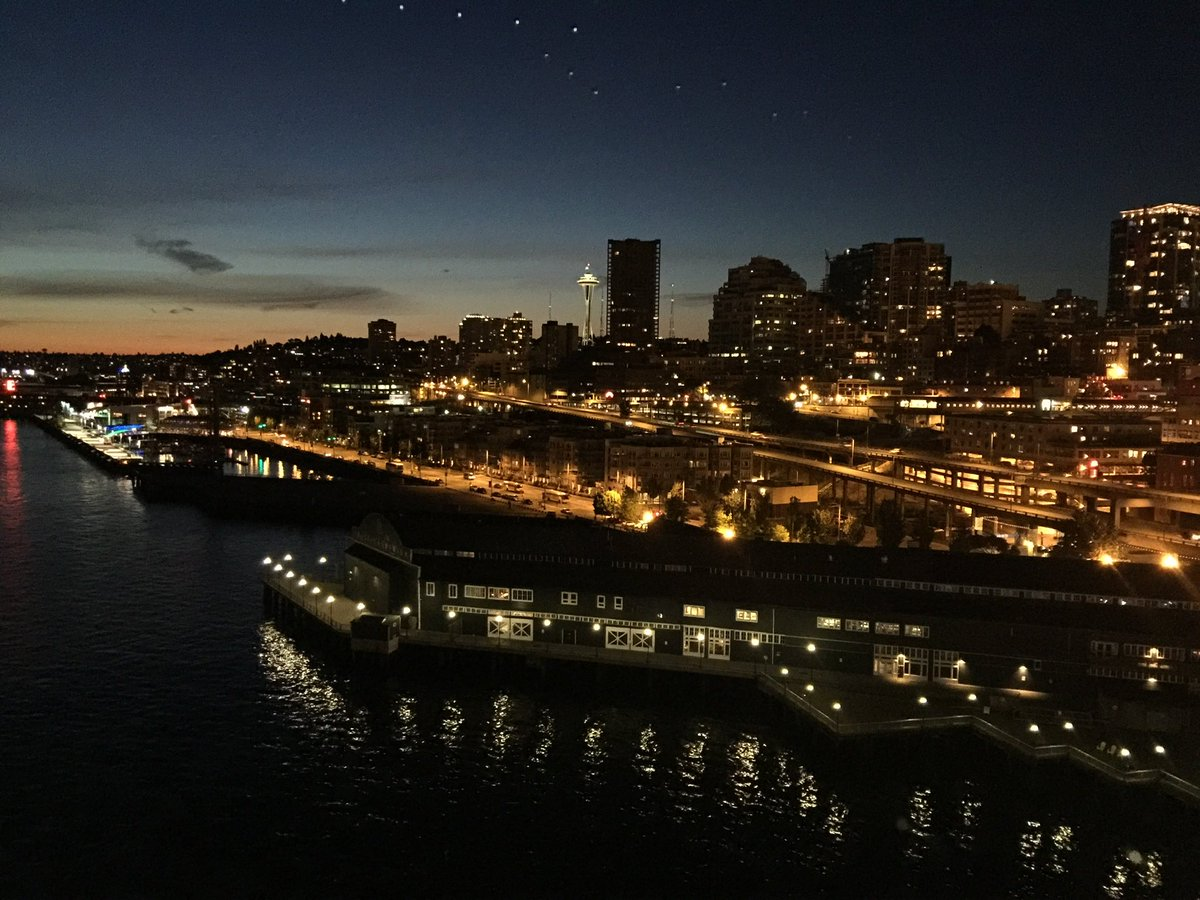Wow! We too travelled to Portland via Oregon  in our car - road trip . Thanks for reminding me . Nice pictures #Seatle #Portland #Viewpoint / From the waterfront Park - Giant Wheel #Nightview  #BoatCruise view - other two from Water transport Boat viewpic.twitter.com/LcUuFdSbGK  by McMenamins Breweries