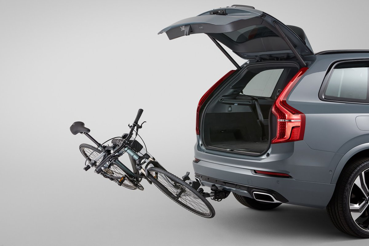Wakacje za pasem? Dobrze się składa. Akcesoria Volvo są teraz w specjalnej ofercie. Dla dwóch i czterech kółek: https://t.co/vvoejoKOGM https://t.co/sxmbOXZUdM