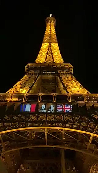 An animation is displayed tonight on the structure of the #EiffelTower in #Paris marking the 80th anniversary of the appeal of #June18, 1940 made from #London by General #CharlesdeGaulle #Appeldu18juin #France 🇫🇷 via @LaTourEiffel