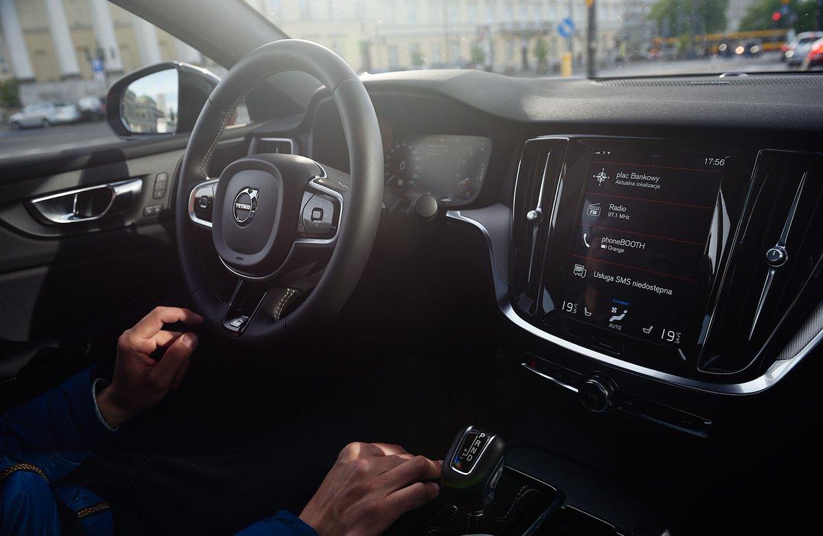 Twoje bezpieczeństwo analizujemy już na poziomie cząsteczek. Dlatego auta serii 60 i 90 możesz wyposażyć w innowacyjny system filtrujący z ładowaniem cząsteczek.   Weź głęboki oddech i poznaj szczegóły: https://t.co/8BCmfuTFsF https://t.co/iK45RY4biE