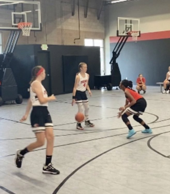 Great week of b-ball at the 3v3 Summer Kickoff at the Premier Institute! #wearepremier2020 https://t.co/NQ4wNDlHzN