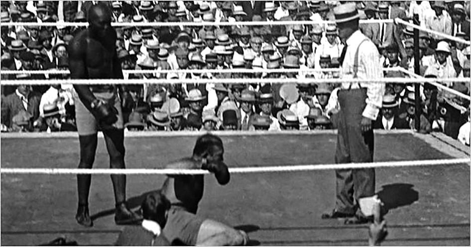 #GaurkoEgunez duela 110 urte, 1910ean, #JackJohnson boxeolari beltzak James J. Jeffries boxeolari eta supremazista zuriari irabazi zion.  Emaitzarekin haserre zeuden zuriek beltzak erasotzeari ekin zioten eta 20 afro-amerikar hil zituzten. https://t.co/ddRPW8u9ez