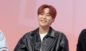 On Where is My Home, Jeonghan revealed that he won 1st on rock paper scissors and got his personal room with Han River view. On the other hand #SEUNGKWAN revealed that he is using a room together with 2 other members with parking lot as the view for 2 years. pic.twitter.com/qOb10ohkvG  by 뿌바라ㄱ1