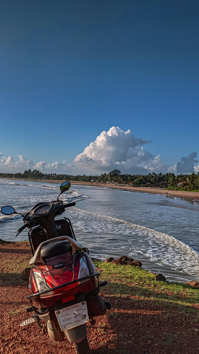 Amazing view and beautiful cloud formation. . #vitaminsea #beachvibes #seashore #ocean #naturephotography #nature #naturelove #beachphotography #travelrealindia #coastalkarnataka #coastal  #gokarnamainbeach #travellerlife #gokarna #gokarnadiariespic.twitter.com/NwztHU2CPn