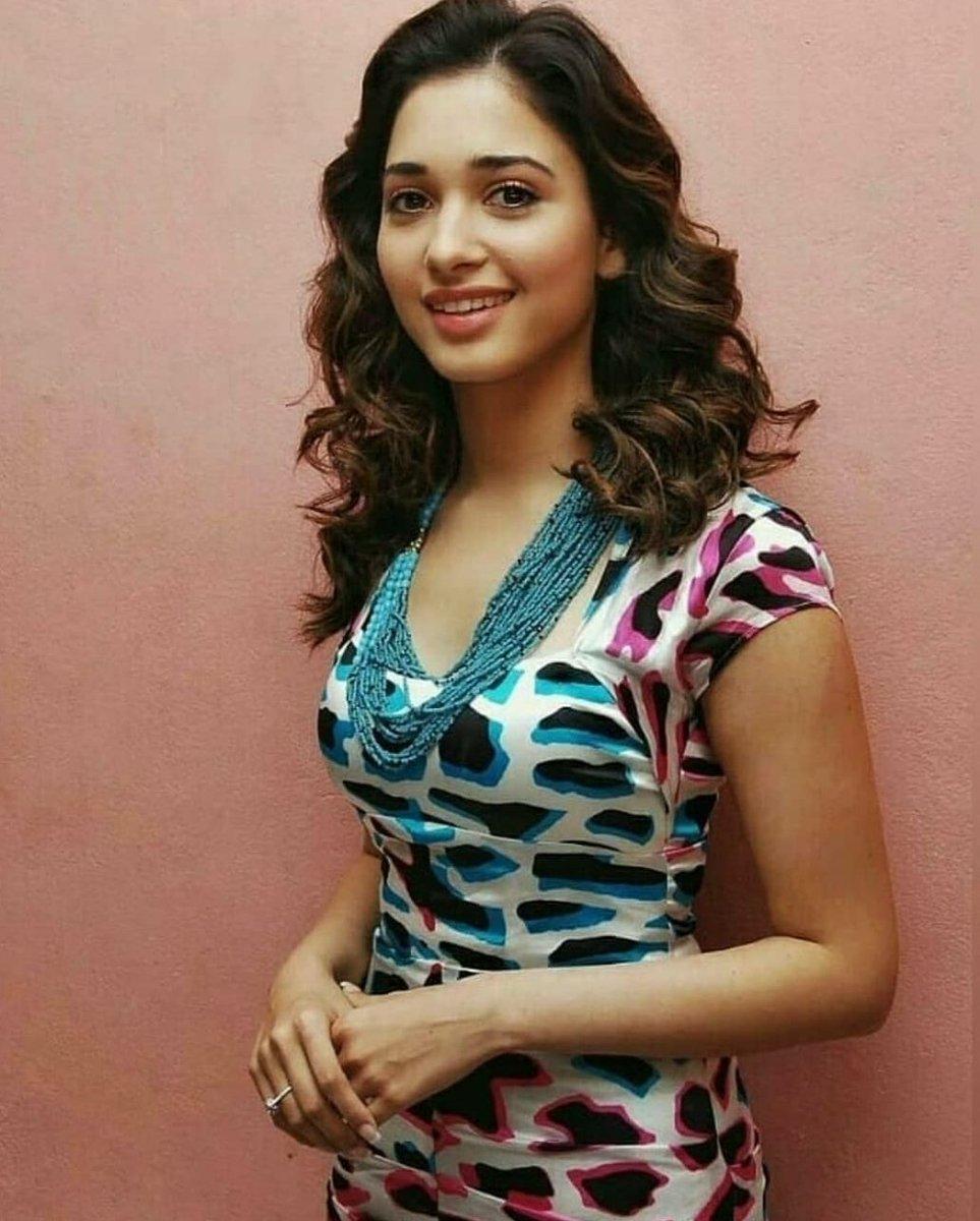 #TamannaahBhatia #BeautifulActress #BollywoodActress Tamannaahpic.twitter.com/YariwrVtrO