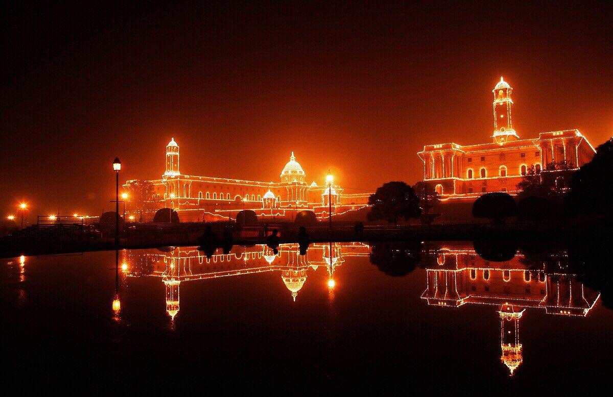 Delhi Night Life#view #nofilterneeded #love #dilli #wander #newdelhiblogger #delhifoodblogger #delhidiaries #delhi_igers #delhigram #delhidaily #delhite #delhiwale #delhilife #delhistreets #delhivibes #delhitourism #sodelhipic.twitter.com/4d636HAaH2