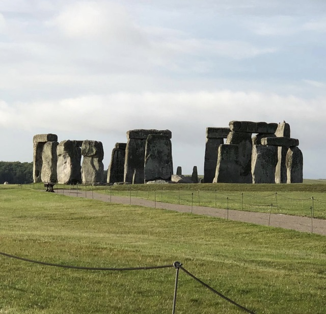 Final preparations are taking place to reopen Stonehenge to visitors this weekend. It's been shut since the start of lockdown. You need to book in advance and there's a limit on numbers. https://t.co/in4SJdqnHn