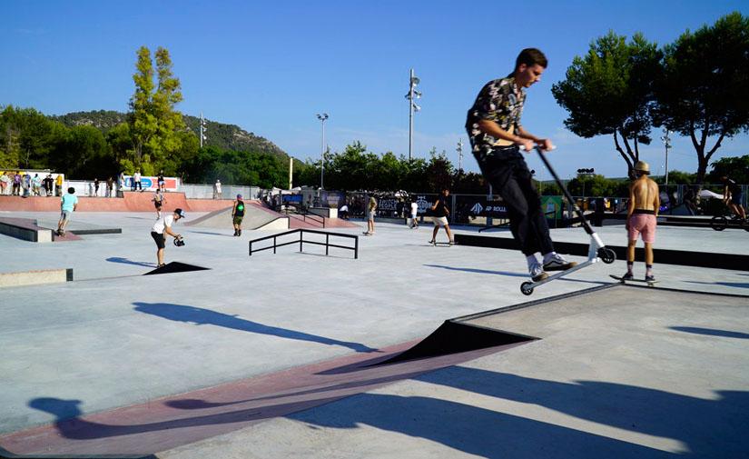 El Ayuntamiento de @_calvia abre al publico el Skate Park de Galatzó.Entérate de todas las reformas: https://www.eysmunicipales.es/actualidad/calvia-abre-al-publico-el-skate-park-de-galatzo…pic.twitter.com/D0YBx7C9iU