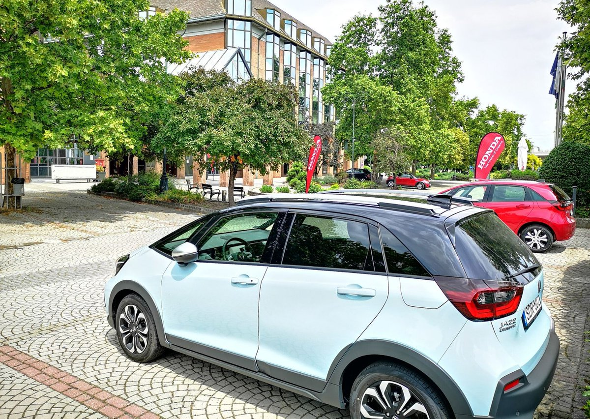 The #Honda held its press conference at the Aquincum Hotel Budapest and presented the latest hybrid models. ☝️The Aquincum Hotel is not only a hotel, it is also a venue: with 14 conference rooms and large outdoor parking space. 🚘 #events #conference #aquincumhotel #budapest https://t.co/JMi9V41rMa