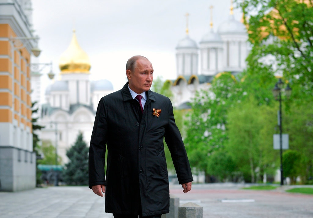 You know Putin is in trouble when internet stars see praising him as a career-wrecking move. Unlike him, they arent persuaded that he should be their president-for-life. trib.al/RuUk8Q3