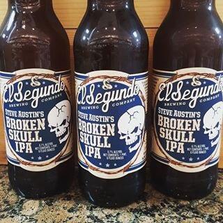 Hey Fluff what do you think of @steveaustinBSR beer @ESBCBrews pretty damn good 👍🏻 https://t.co/x8AHLMGF2u
