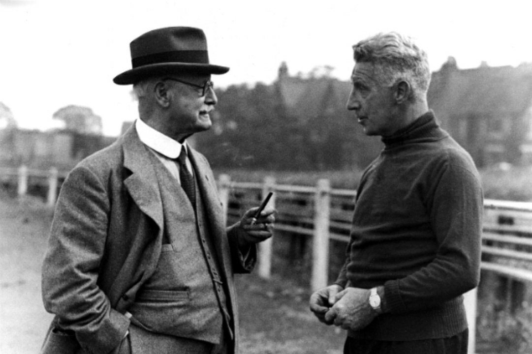 July 1858 (no date) The Grand Old Man of Aston Villa was born. Frederick Rinder arrived at @AVFCOfficial in 1881 aged 18 & he first came to the fore in 1887 when Villa built the grandstand at Perry Barr. He became Chairman in 1898 & the rest is history. #HEITS #AVFC #UTV 🙏🦁