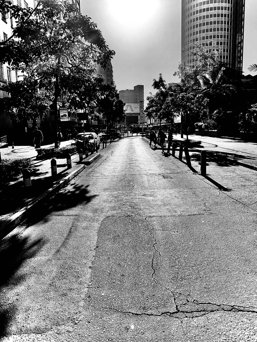 Happy New Month #blackmural #blackandwhite #blackandwhitephotography #blackandwhitephoto #shotiniphone #bnwshot_world #bnw_of_our_world #bnw #bnw_greatshots #bnw_captures #bnw_zone #bnwphotography #insta_nairobi #streetphotographers #streetphotography_bw #bnwstreet #igersnairobipic.twitter.com/xiqkavLvv2