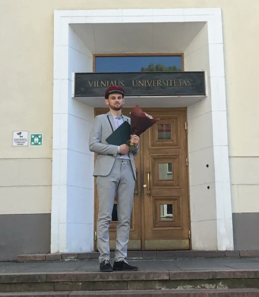 Congratulations to Vytautas (aka @The_Avid_Geek) and Rokas with their masters degree in physics from Vilnius University! 🔭💻📝⚛️ @VU_LT https://t.co/XWIbNE9yFc