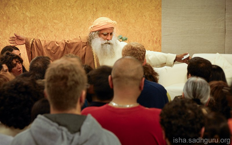 Mere tolerance is not good enough. We need to create an atmosphere of acceptance that embraces life in all its diversity. #SadhguruQuotes #WednesdayMotivation #wednesdaymorning<br>http://pic.twitter.com/uzGKdHKuAe