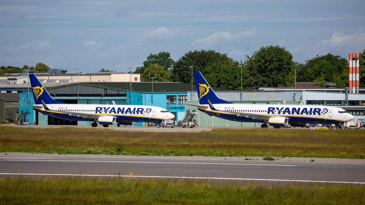 Bereits gestern sind unsere beiden Base Maschinen am FMM gelandet. Endlich geht es wieder los und @Ryanair  startet nach einer langen Pause mit dem Flugprogramm. Heute stehen #Chania, #Faro und #Alghero auf dem Flugplan. https://t.co/Nl8tUJGRg5 Pic by Maximilian Mair https://t.co/UosEIzbOgo