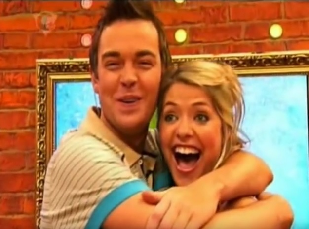#OnThisDay in 2006 : CITV broadcast its final Saturday morning show since the days of TISWAS with Holly & Stephen's Saturday Showdown. ITV would later return to the format in 2014 with Scrambled.  Watch end here: https://t.co/g7nj8rt6gA  @hollywills @StephenMulhern https://t.co/WJosamdT7q