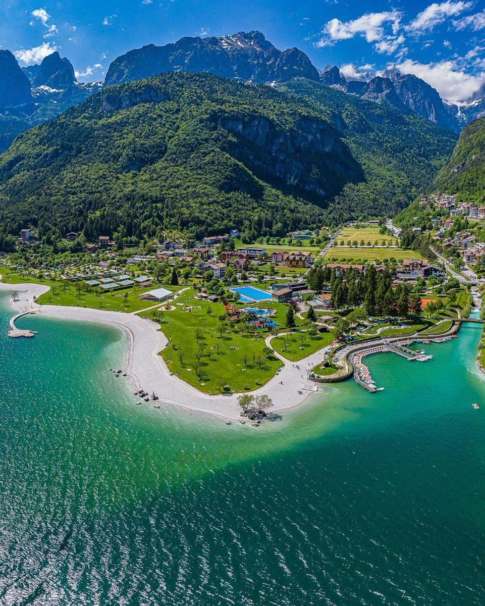 صباحكم جبال الألب 💚 في الشمال الايطالي    من بلدة و بحيرة مولفينو 🇮🇹  Molveno, Trento, Italia https://t.co/WDAQ0ldjAk