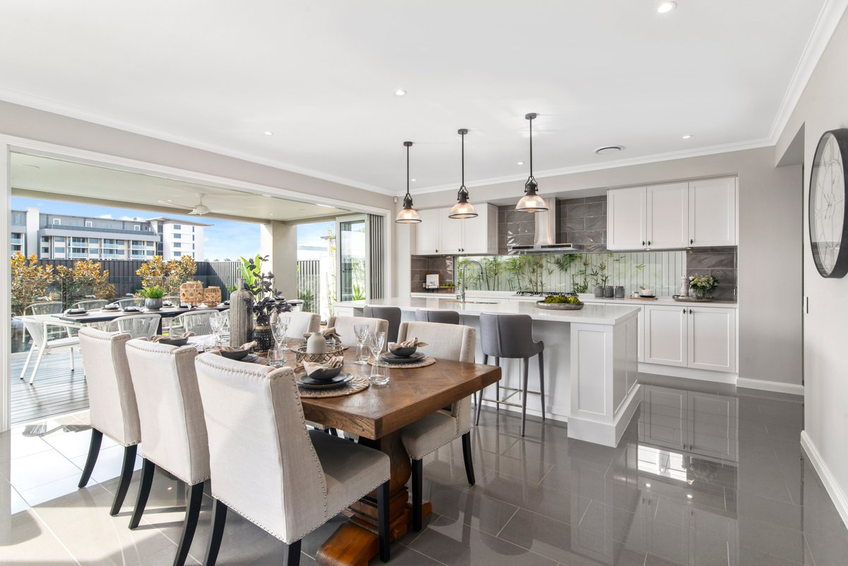 We have two gorgeous new Freedom by Metricon display homes open at Newport, QLD! The Glendale & Delta designs both offer spacious indoor & outdoor living zones, as well as four well-appointed bedrooms. Visit two of our most popular home designs today: https://t.co/05sugwS2WE https://t.co/LuiKD98sPd