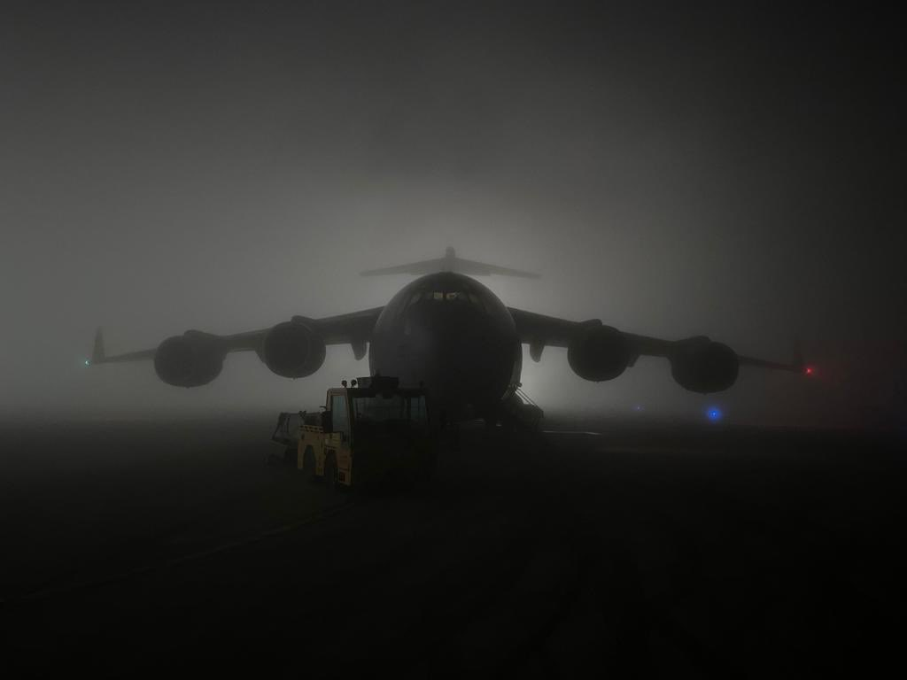 A very rare experience this weekend as @RAFAkrotiri  became temporarily engulfed in dense fog just 30 minutes after our arrival 🛬🌫  Fog is not something we usually see in that part of the world 🏝  #99Sqn #C17 #RAF #NoOrdinaryJob #Akrotiri #Fog #AvGeek https://t.co/L8di3wDH0n