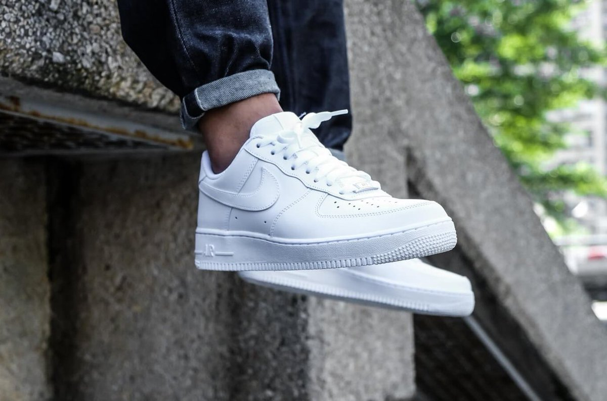 "Ad: SAVE 20% on the staple Nike Air Force 1 'Triple White'!  Down to just £64 with code ""HIP20"" here => https://t.co/7woyKtSEbp  UK9/10/11/12 (RRP£80) https://t.co/StEjWTxDKt"