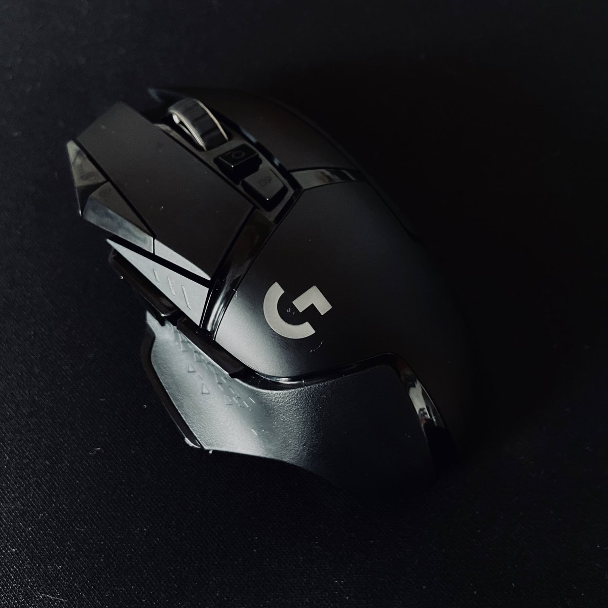 The Logitech G502 Lightspeed is wireless, fast, has adjustable weights and much more. I've never been this excited to review a gaming mouse. @LogitechG @India_Logitech https://t.co/OnzCJtwzvn