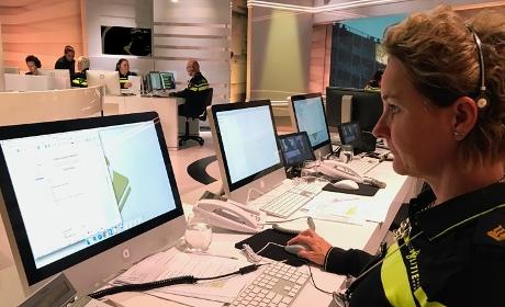 Na de uitzending van @opsporing_tv gisteravond kwamen 8 tips binnen over de dode man in Haarlem en 7 tips over de inbraken in auto's van zorgpersoneel in Tilburg. Help ook mee misdrijven oplossen #opsporingverzocht https://t.co/RKO4ucm2qe