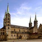 Image for the Tweet beginning: #バンベルクの旧市街 国: #ドイツ 登録年:1993年 登録基準:(ii)(iv) #バイエルンの真珠 #バロック建築 の街 #2度焼失 した #大聖堂