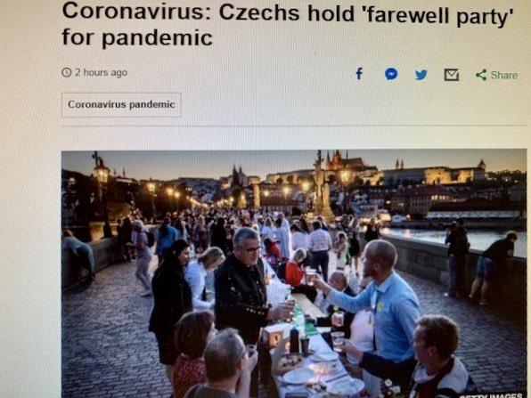 What, surely that's a bit premature? #CzechRepublic pic.twitter.com/GhYu5j1tcT