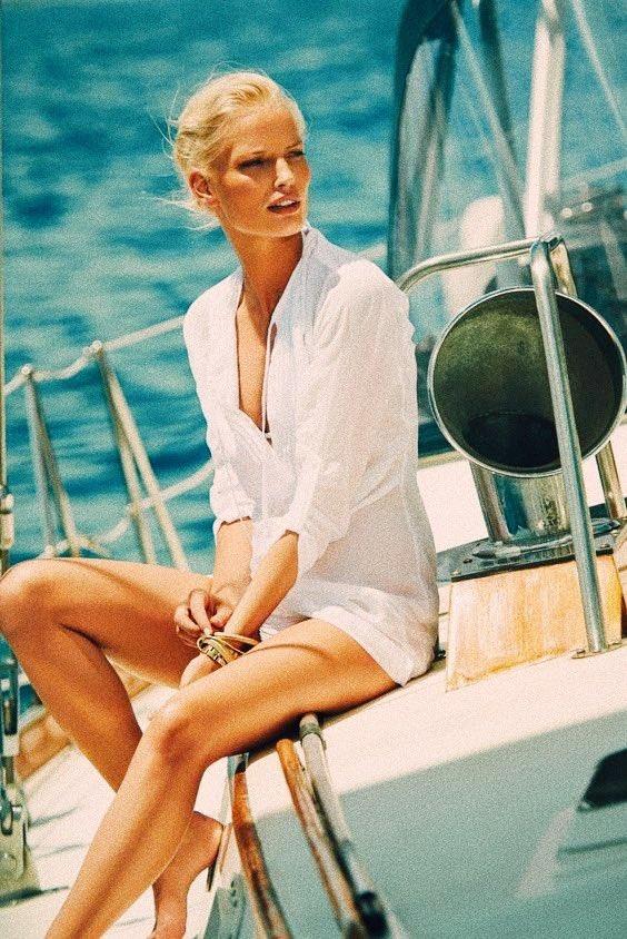 Need a yacht club girl 🛥