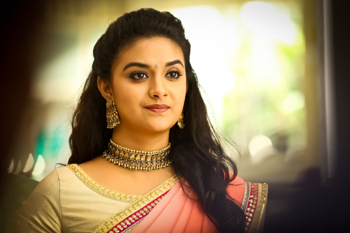 OMG , just now I came to know that I love PINK too , that too coz of @KeerthyOfficial   Mine all time fab pic #Suku Papa - Pink   And after that pic I like this photoshoot pic - that too pink   And recent addictz #Rythm -Pink  pic.twitter.com/yUdQVdc5TD