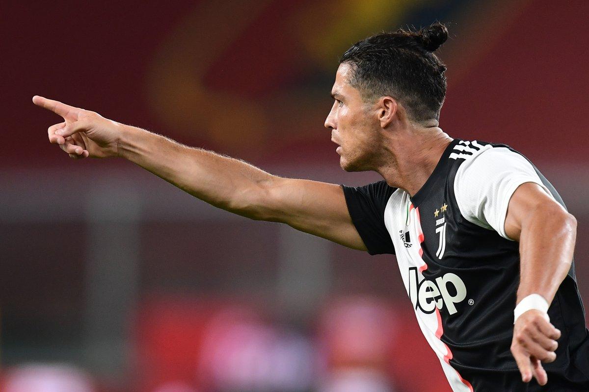 ⚪️⚫️ Three wins in a row for Juventus 💪  ⚽️ Paulo Dybala, Cristiano Ronaldo, Douglas Costa    #UCL https://t.co/PyBlXrJzsz