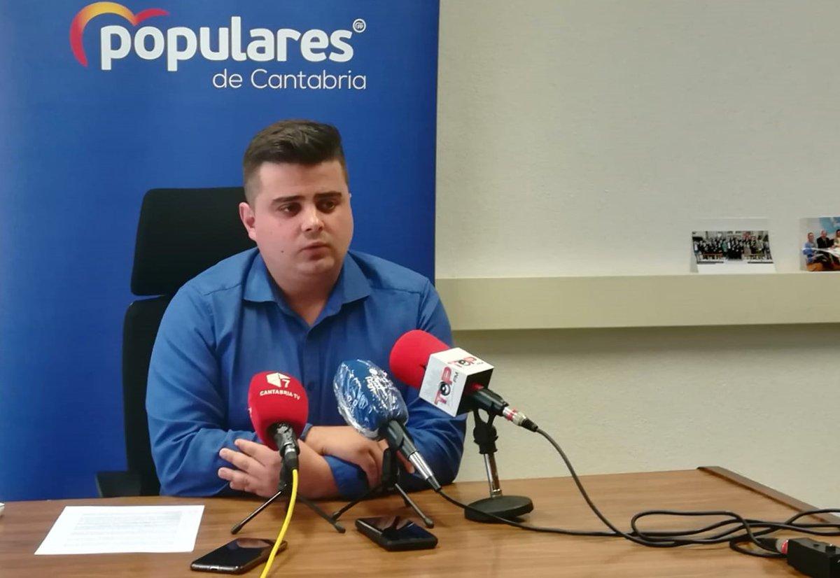 """👉 El @pptorrelavega dice que PRC y PSOE """"se han quitado la careta"""" al rechazar exigir la reactivación del proyecto del soterramiento https://t.co/2Toc2xEL8O https://t.co/RcgQkS4kp7"""