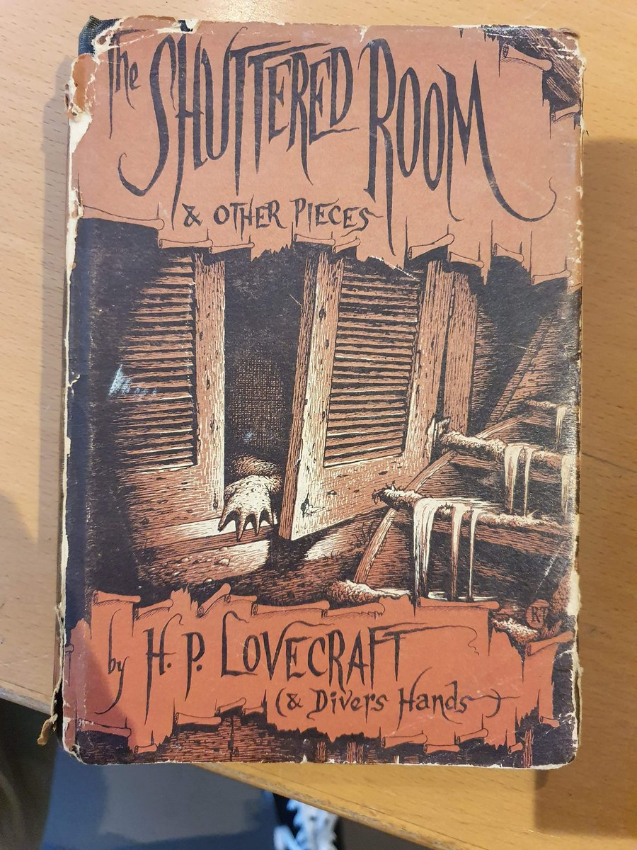 test Twitter Media - A friend of mine works in an antiquarian bookstore, and they just got this first edition Lovecraft in! :o https://t.co/wBxLDpzoon