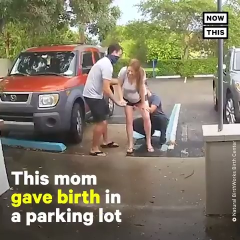 This woman delivered her baby in a parking lot thanks to the help of this midwife https://t.co/Rn0m3sEFV1