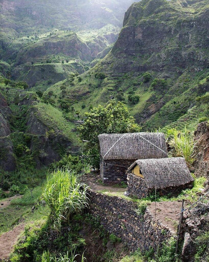 Another reason to visit stunning Cape Verde Via @nobaicaboverde Kadealo Africa: https://kadealo.com   #kadealo #kadealotravel #staycurious #createexplore #exploretocreate #roamtheplanet #roamearth #fantastic_earth #travelgram #postcardplaces #doyout… https://instagr.am/p/CCF5SvNn1Xh/pic.twitter.com/kAstrnYQ6U