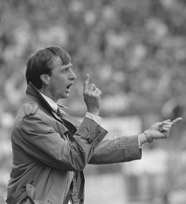 📝 #OTD in 1985, Johan became the @AFCAjax manager. ❌❌❌ #CruyffLegacy