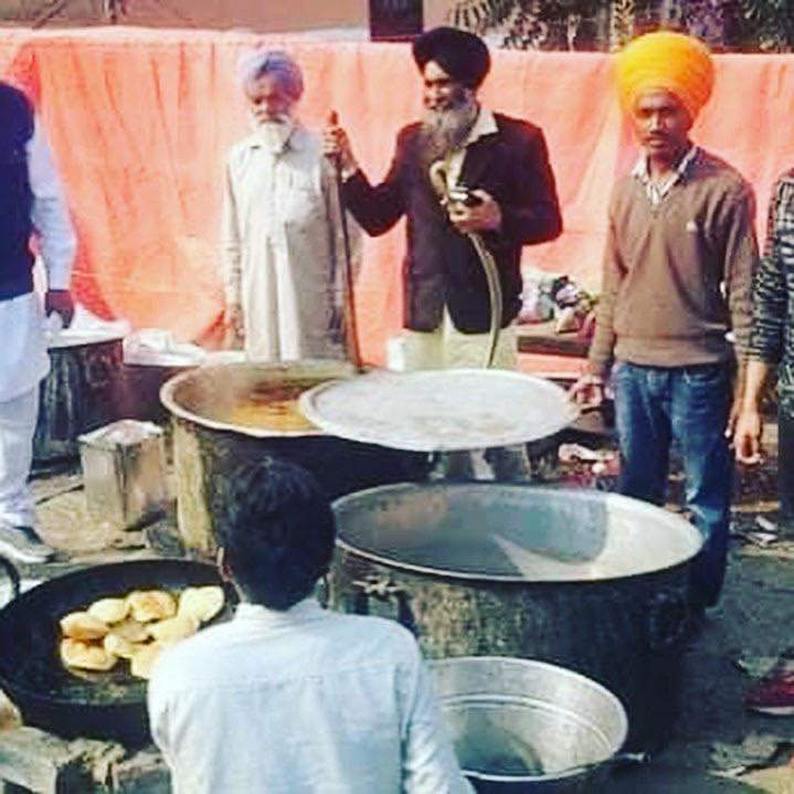 Luvpreet Singh 21 booked under UAPA for being Khalistan sympthasizer। He was in Delhi for serving Langar and to actively participate in #AntiCAA protests। Any solidarity voices by Muslims now as an innocent Sikh is falsely booked?